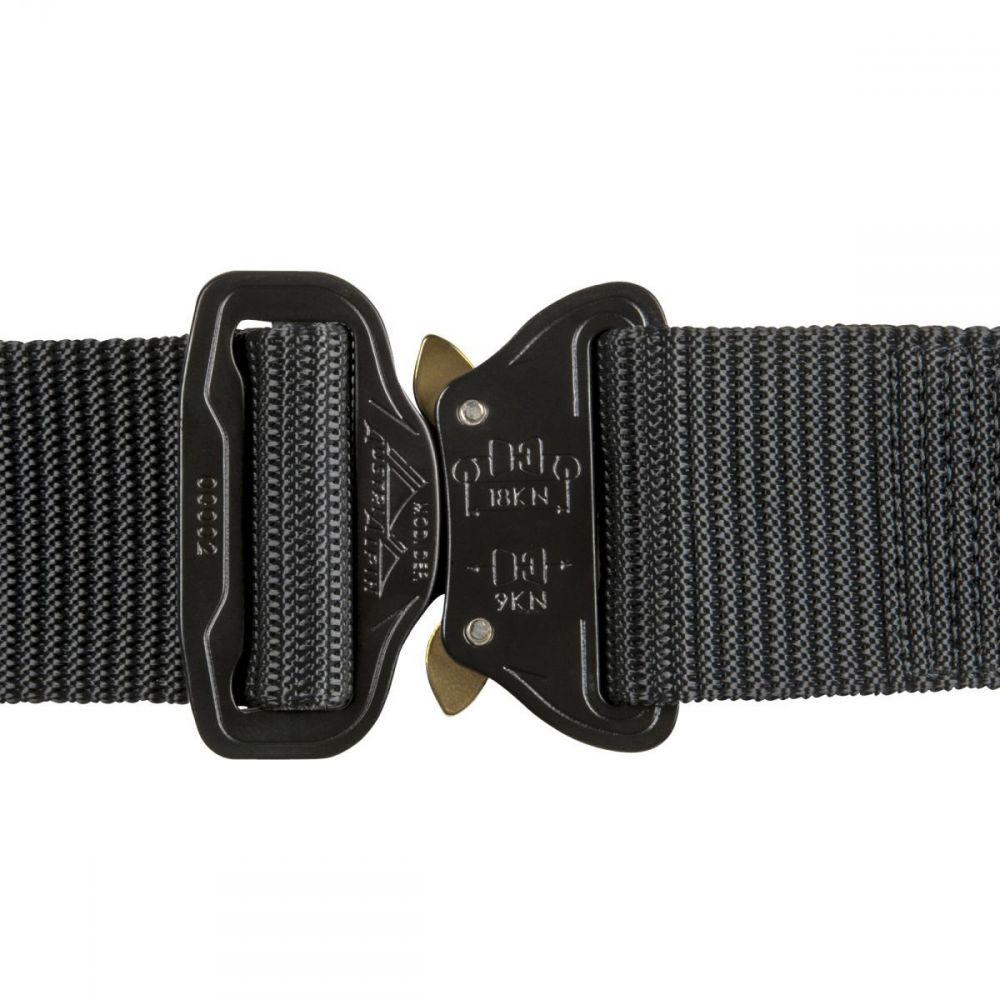 8af21f88888 Cette ceinture est une sangle en Nylon durable et breveté. Dotée d une  boucle de ceinture AustriAlpin. Elle se règle facilement (pas de trous) et  est conçue ...